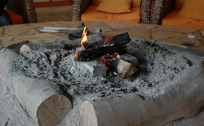 囲炉裏と灰