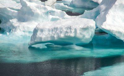 氷河・氷山の色
